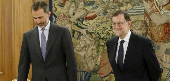 Rajoy acepta el encargo del Rey.