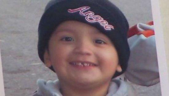 Encuentran muerto a un niño de 11 años al que su madre tuvo encerrado tres años en un armario