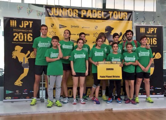 "Viriatos ""A"" asciende a primeros en la Liga Junior Padel Tour"