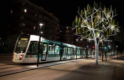 Árbol artificial capaz de convertir el viento en electricidad.