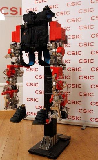 Un niño español probará el primer exoesqueleto del mundo