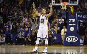 STEPHEN CURRY CONSIGUE EL NUEVO RÉCORD EN LA NBA.