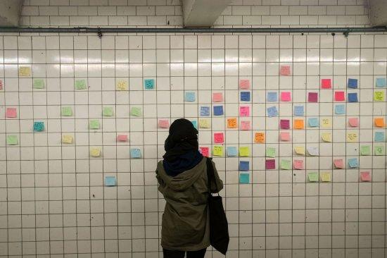 Papeles en el metro de Nueva York