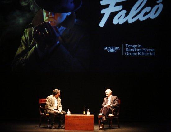 Pérez-Reverte presenta su nueva novela: Falcó