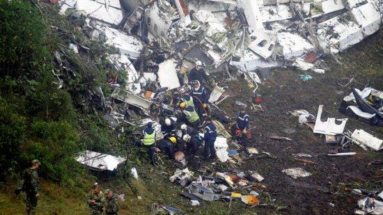 Accidente de avión en Colombia se cobra la vida de 75 personas
