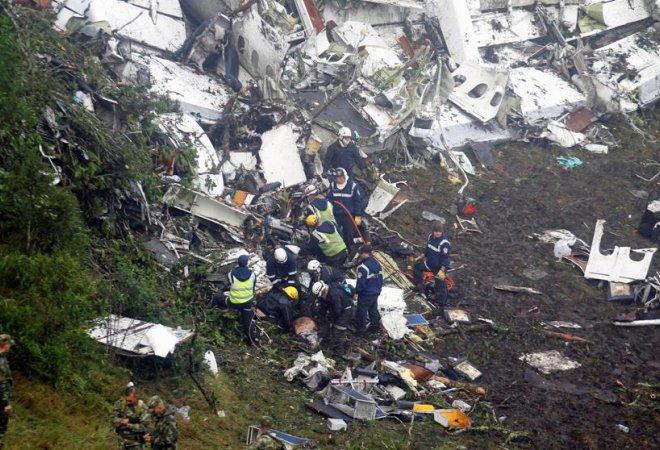 Imágenes del avión estrellado en el que viajaba el Chapecoense (Fredy Builes)