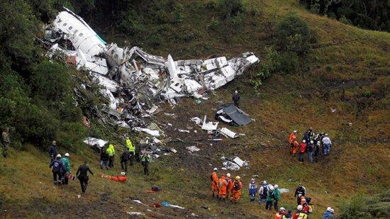 El avión que se estrelló el lunes por la noche deja al menos 75 muertos