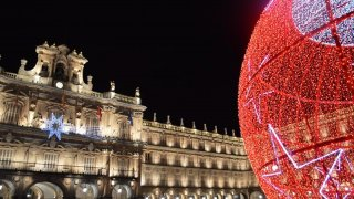 Image of the Christmas Ball, located in the Main Square.