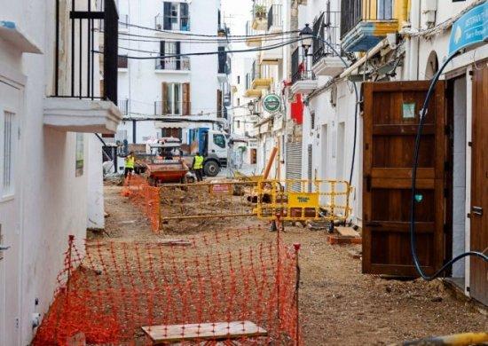 Un vecino hiere a un obrero en las obras de Ibiza.