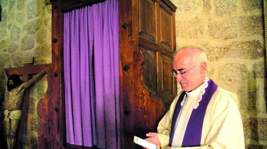 Las confesiones 2.0 llegan a la provincia de la mano del párroco Félix Pérez