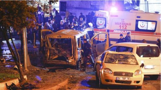 Al menos 38 muertos y 136 heridos en un doble atentado en Turquía