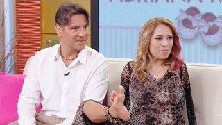 Adriana muestra sus habilidades en un programa de televisión