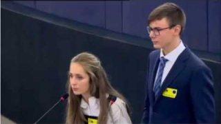 Los alumnos de 4º de la ESO, han estado en Estrasburgo representando a España ante el Parlamento Europeo, como premio nacional por su proyecto realizado el pasado curso de la Celebración del 30 aniversario de la Unión Europea. ¡Enhorabuena!. Os dejamos aquí el momento de su presentación. Y en unos días, podremos ver todos los detalles de su inolvidable viaje.